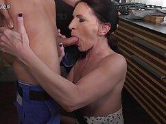 Lesbianas de pechos enormes se chupan la leche de señoras mexicanas calientes xxx los pechos de las otras