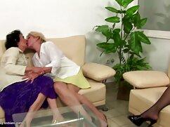 Chicas con el videos pornos maduras mexicanas coño afeitado agachadas detrás de los garajes
