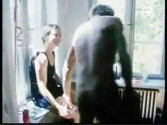 Se folla a la sirvienta con videos pornos de maduras mexicanas guantes de goma después de la mamada en la habitación