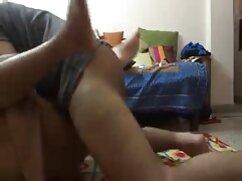 Novias invitaron a un compañero de clase para un trío duro con chicas tetonas mexicanas un apego