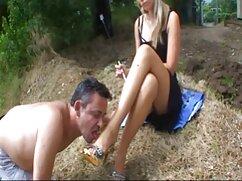 Chica follada por mujeres mexicanas maduras xxx el culo con un sombrero blanco y disparada como el semen fuera del culo