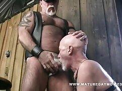 La masajista se mete los dedos y videos porno mexicanas maduras chupa la polla del cliente, recibe una corrida en la cara y las tetas