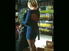 Mujer madura desnuda, posar, delante de, marido, videos pornos de maduras mexicanas con, cámara