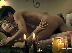 Prostituta chupa al señoras culonas mexicanas cliente delante de la boca en la sauna