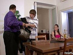 Tío con una gran maduras mexicanas lesbianas polla eyacula un mar de esperma en la boca de una mujer