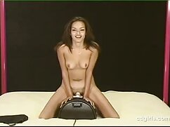 Marina Angel hace un striptease con masturbación videos de mexicanas maduras y le da una polla a un coño