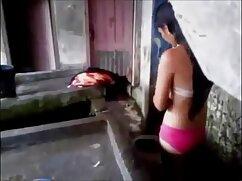 Un idiota porno con maduras mexicanas de la región de Moscú le da una gran mamada a una polla larga y delgada