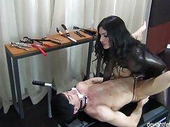 Striptease erótico follando con maduras mexicanas de una china de tetas pequeñas en un hotel