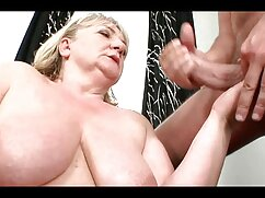 Jessica Jaymes acaricia los pezones y los coños con los dedos con una señoras maduras mexicanas calientes larga manicura