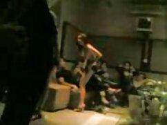 Entrenadora de maduras mexicanas en tanga fitness desnuda a un cliente de virginidad en el gimnasio