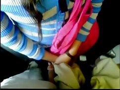 Amante mantiene a un esclavo con viejas calientes mexicanas correa y folla con un arnés