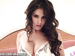 Maid Amirah Adara le chupa la xvideos de maduras mexicanas polla al jefe en las escaleras