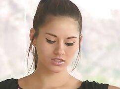 Mulata lamió el xxx videos maduras mexicanas coño de la hermanastra en jeans y se la folló