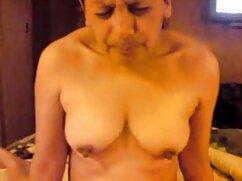 Madre se mete los dedos y maduras mexicanas masturbandose se la mama a su hijo, ducha con él